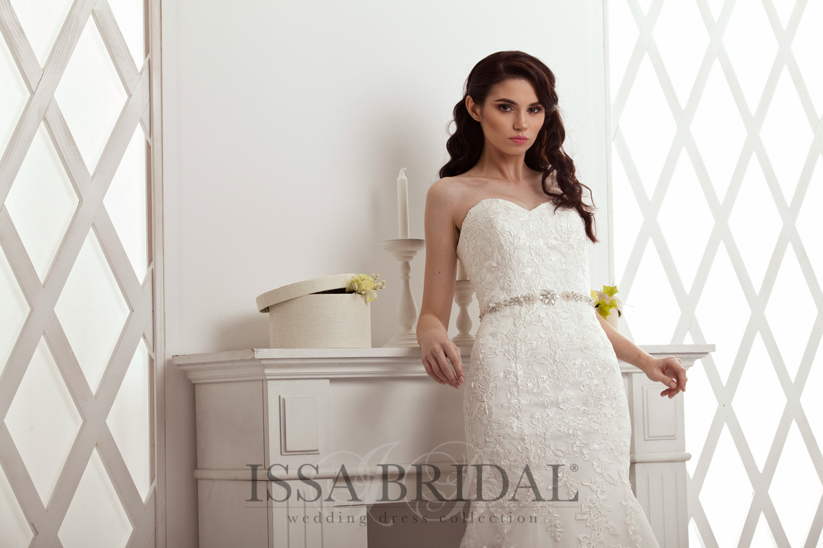Rochie IssaBridal cu corset pe corp si broderie